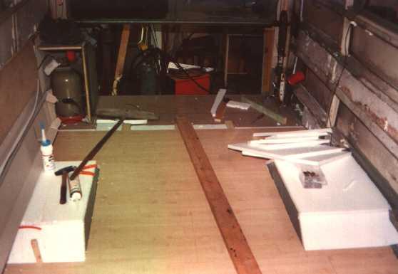 der aufbau des bodens f r den 406 umbau zum neuen wohnmobil. Black Bedroom Furniture Sets. Home Design Ideas